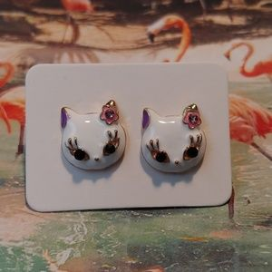 NEW 😸 White Kitty Cat Face Crystal Stud Earrings